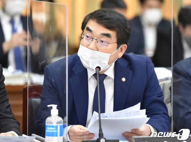 남북고속철도, 일반철도 연결 절실, 재원조달은 '북한의 광산 개발권 담보로